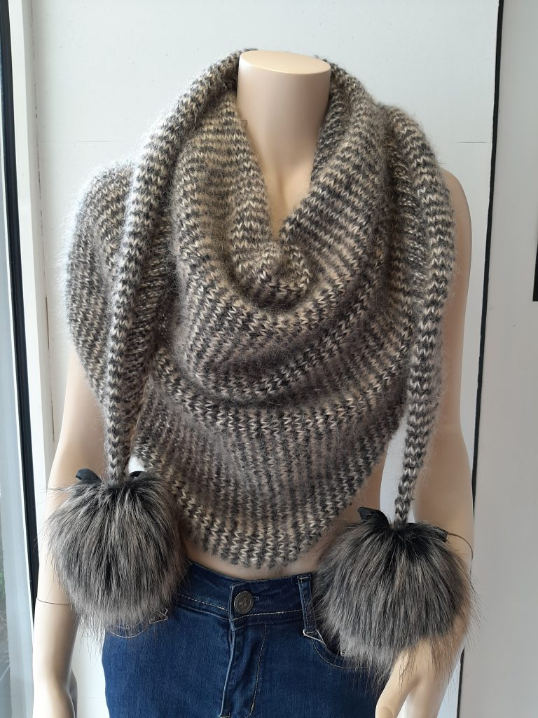 chale tricot laine yara et mohair trend lang yarns