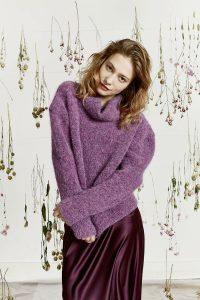 pull violet lang yarns