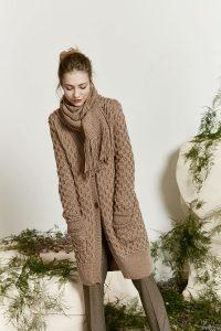 manteau et écharpe femme tricot lang yarns