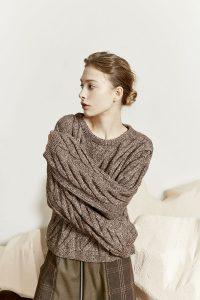 pull laine angelina lang yarns avec torsades