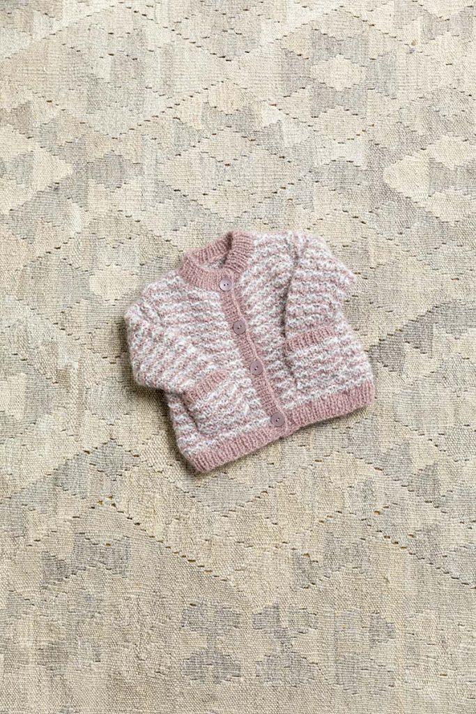tricoter un gilet layette